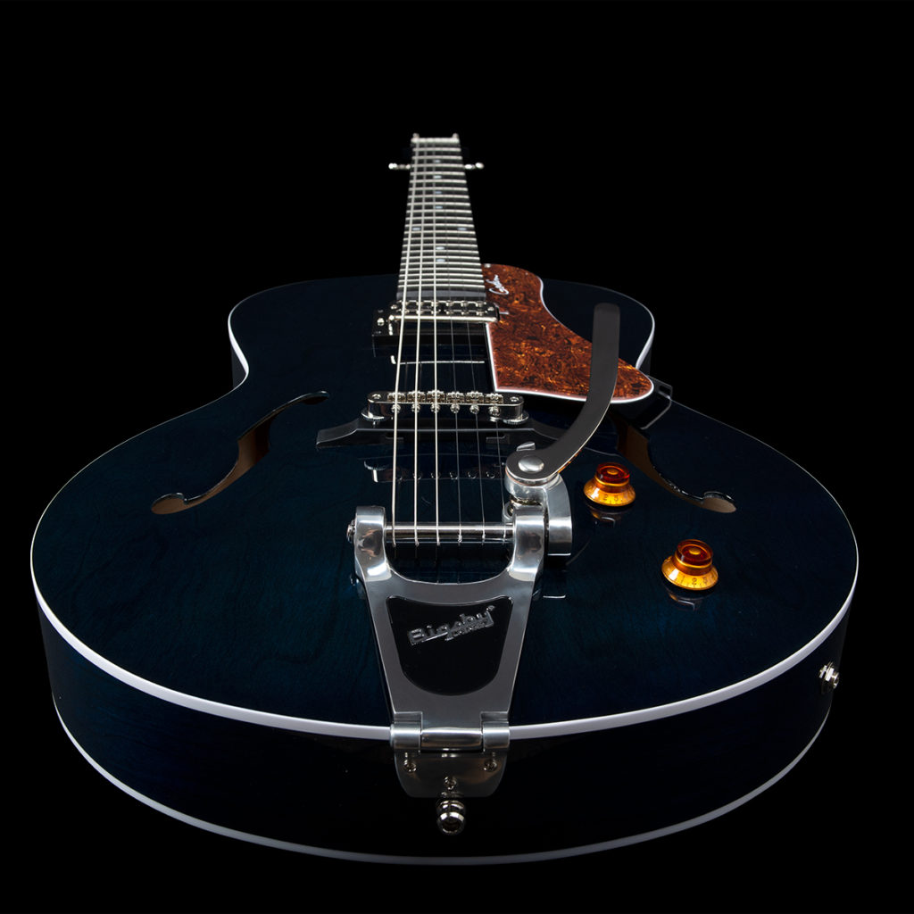 GODIN - 5th Ave Nightclub Indigo Blue